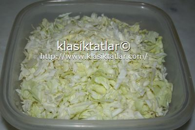 doğranmış lahana etsiz kapuska