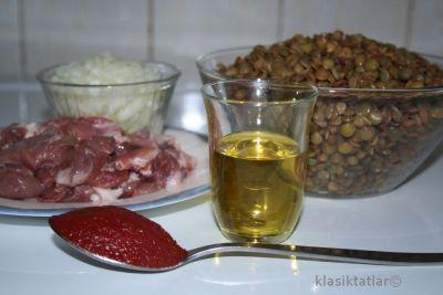 etli yeşil mercimek malzemesi etli yeşil mercimek yemeği