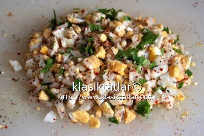 katı yumurta salatası yumurta salatası