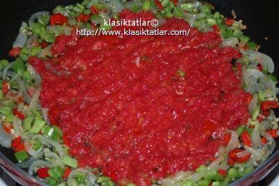 pizza domates pizza nasıl yapılır mantarlı pizza