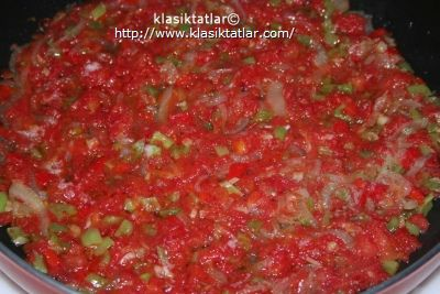 pizza kavrulmuş domates pizza nasıl yapılır mantarlı pizza