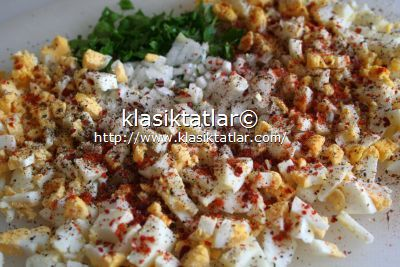 yumurta salatası malzemesi yumurta salatası