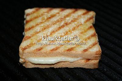 kaşar peynirli tost 1 kaşar peynirli tost